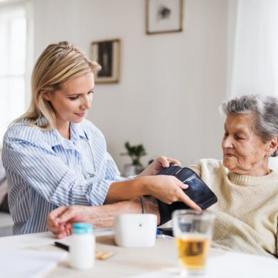 bien-vieillir_soins-1-min
